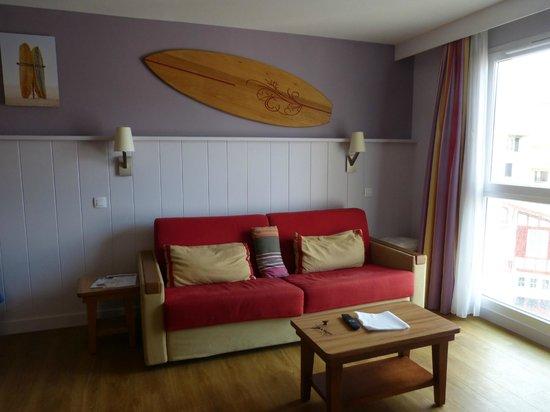 Pierre & Vacances Premium Residence Haguna: le coin salon