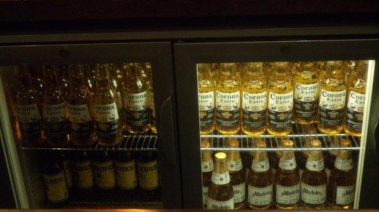Los Pilones Cantina Mexico : Mexican beer Corona