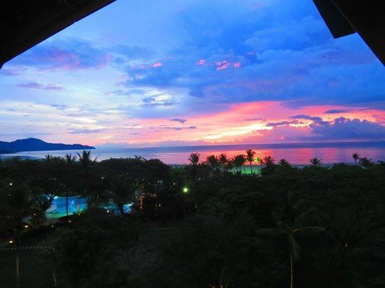 Shangri-La's Rasa Ria Resort & Spa : Perfect Sunsets