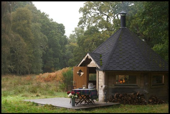 Mains of Taymouth Cottages: Our nearby Hobbit House - great for BBQs