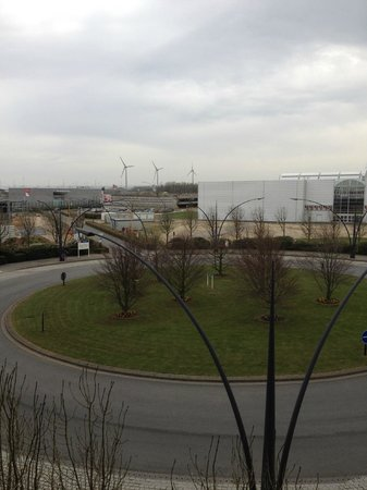 Ibis Calais Tunnel Sous la Manche: overlooking the shopping mall