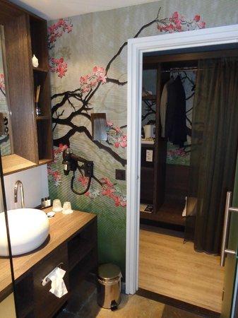 M Hotel - Different Hotels: mooie kamer
