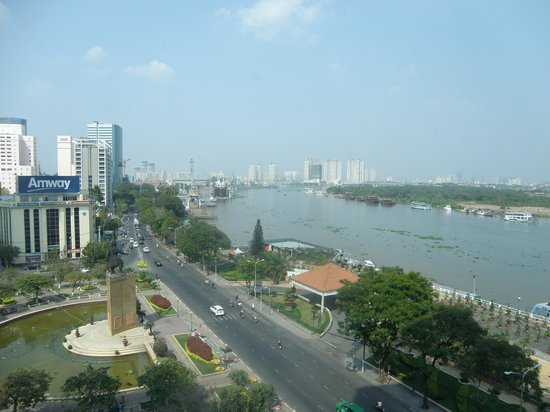 Renaissance Riverside Hotel Saigon: River view room