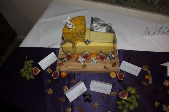 The Spread Eagle Hotel & Spa: wedding cheese cake