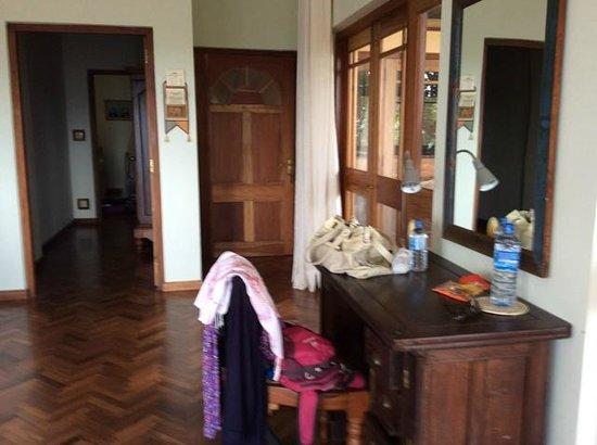Villa Rosa : Room and corridor through to Kids room