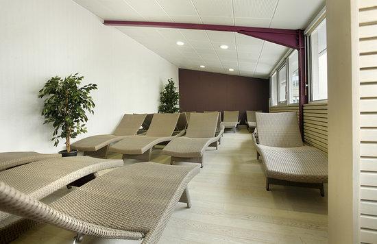 Salle de repos picture of les thermes de l 39 avenue dax for Salle repos