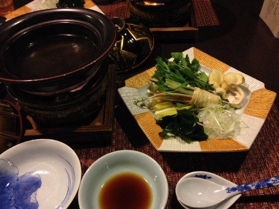 Migiwatei Ochikochi: 夕食