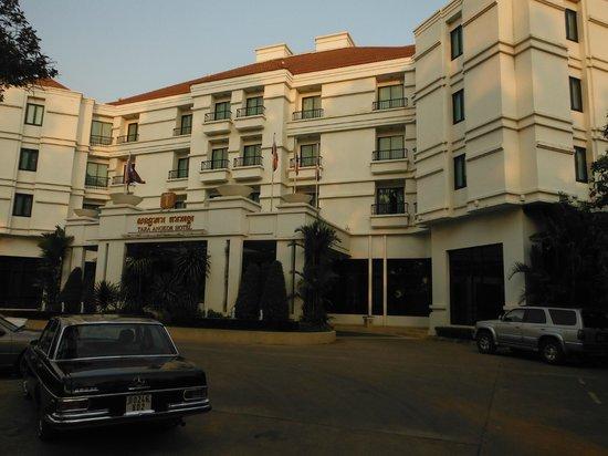 Tara Angkor Hotel : Exterior
