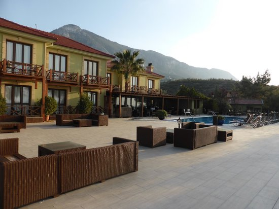 Bella View Boutique Hotel: The pool terrace