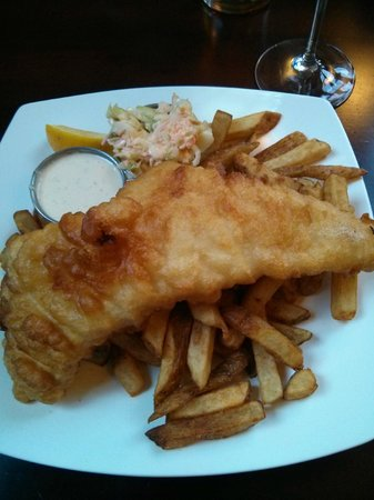 The Waterfront River Pub and Terrace: Mushy Fish & Chips