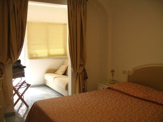 Hotel Villa Sanfelice: Camera con veranda