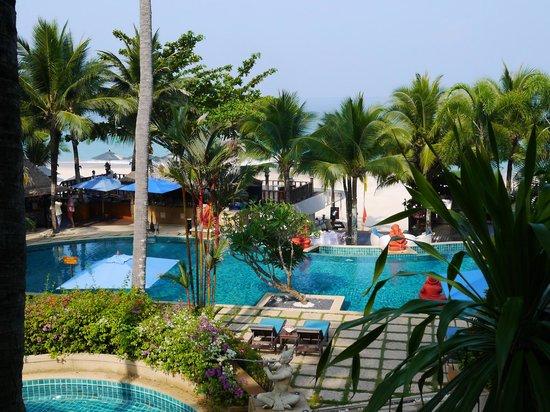 Andaman White Beach Resort: プール