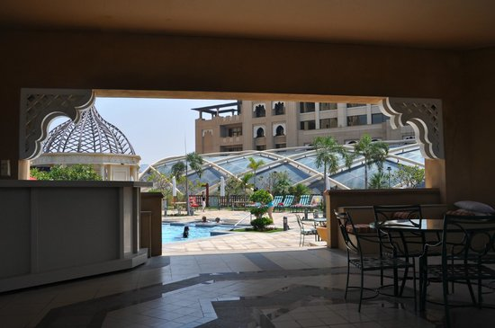 Arjaan by Rotana : Roof terrace and pool area