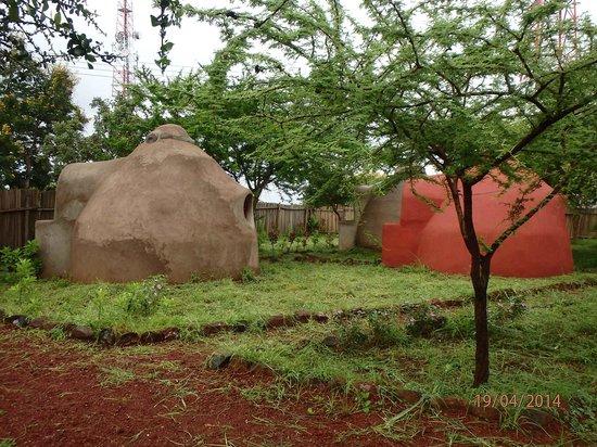 Panorama Campsite : concrete igloo farm
