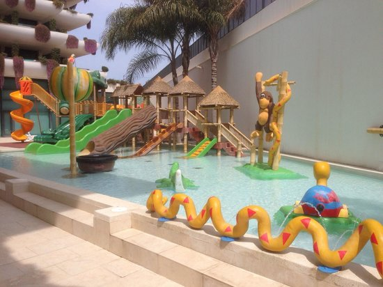 Hotel Deloix Aqua Center: Children's  outdoor fun pool