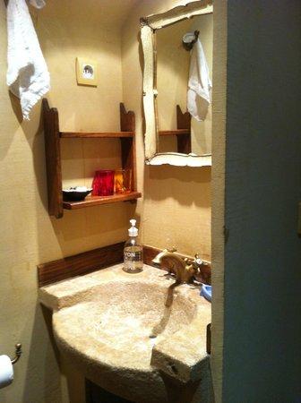 Bed & Breakfast Un Mas en Ville : Un Mas en Ville bathroom