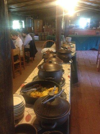 Santa Clara: comida chilena, con postre de turron de vino.......