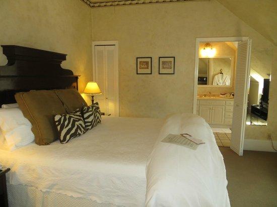 1801 First Luxury Inn: Suite
