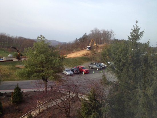 Rocky Gap Casino Resort: View from roof - this is considered Golf view
