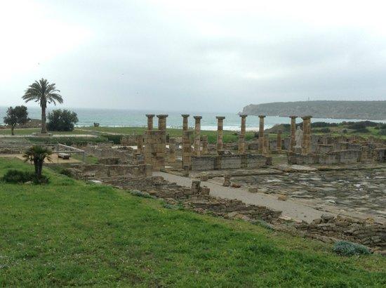 Conjunto Arqueológico Baelo Claudia: BELAS RUÍNAS À BEIRA MAR