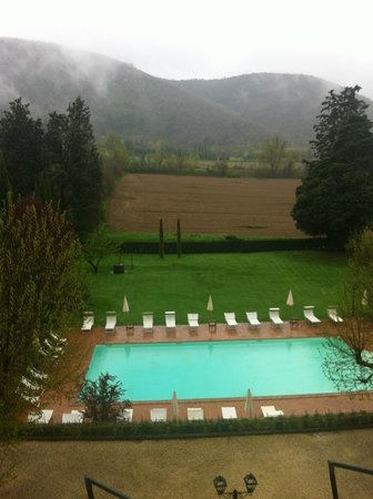 Villa di Piazzano: Pool area, view from room