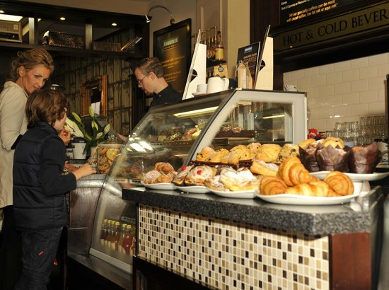 Esquires Coffee House: Yummy Pastries