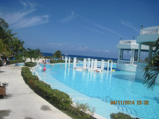 Grand Palladium Lady Hamilton Resort & Spa: pool