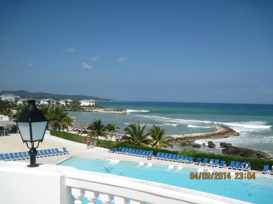 Grand Palladium Lady Hamilton Resort & Spa: beach
