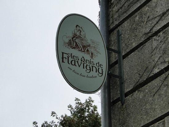 Flavigny-sur-Ozerain, ฝรั่งเศส: Entrada da fábrica