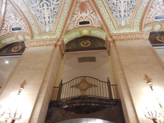 The Palmer House Hilton: Main Lobby