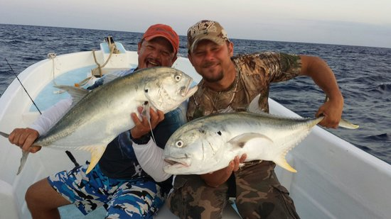 Fishing with Roberto Navarro : Another double header..