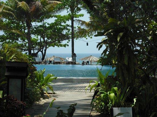 Sandoway Resort: piscina