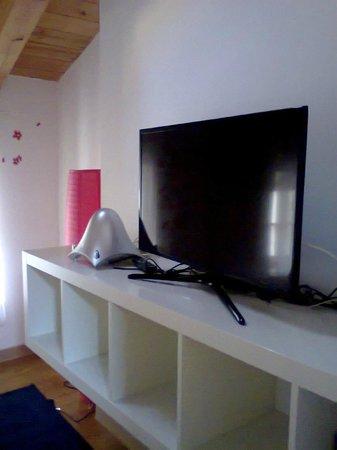Aqua Residence: grande tv