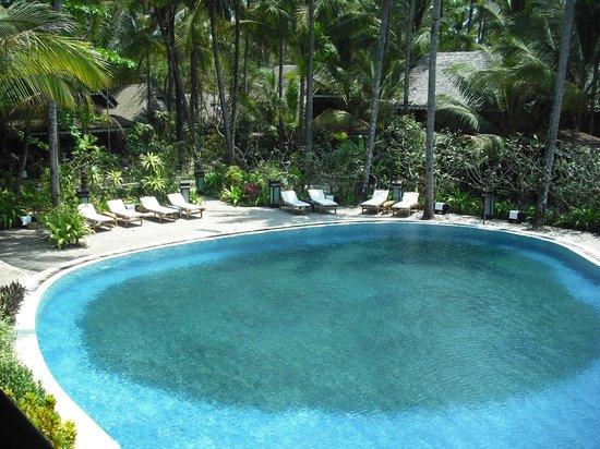 Sandoway Resort: piscina vista dalla biblioteca