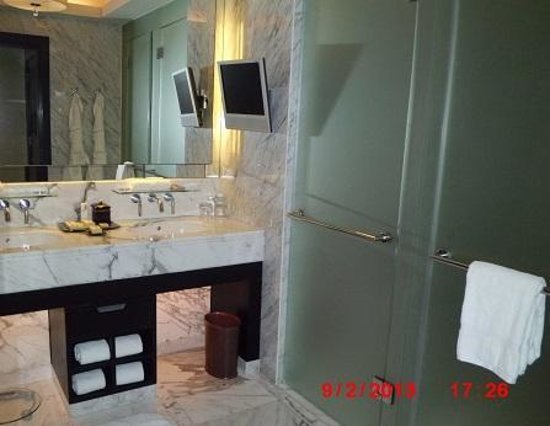 The Sands Macao: Spacious ensuite bathroom