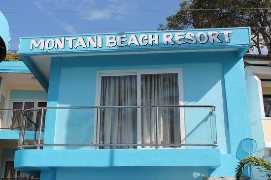 Montani Beach Resort: A room with balcony