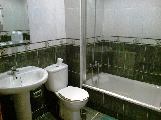 Hotel Galatea: Cuarto de baño