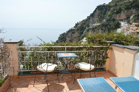 Positano Art Hotel Pasitea: View from Positano Art Hotel - Room #12