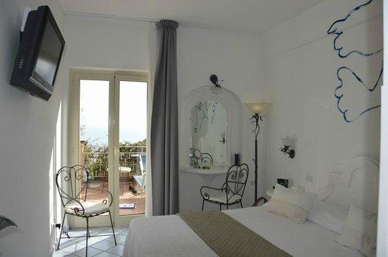 Positano Art Hotel Pasitea: More Room #12 - April 2014