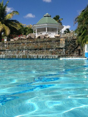 Jolly Beach Resort & Spa: The wedding gazebo....from the pool.