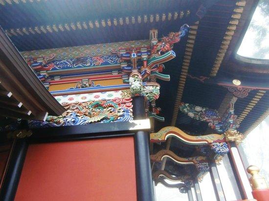 Mitsumine Shrine : 拝殿の彫刻