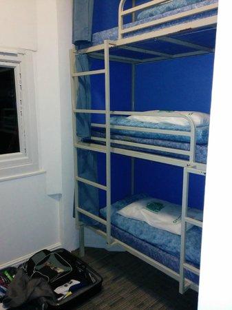 Smart Hyde Park Inn Hostel : Dies ist ein 6 Bettzimmer welches als Einzelzimmer vermietet wird