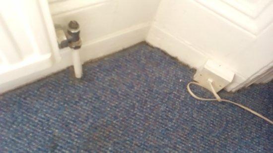 Royal Norfolk Hotel: Dust example in cupboard of hotel room