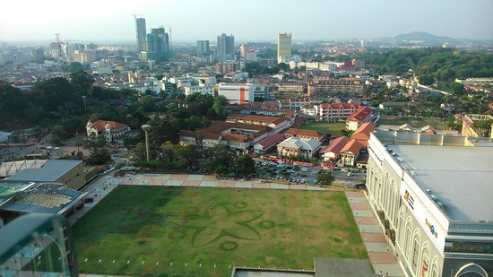 Hatten Hotel Melaka: view from roof bar