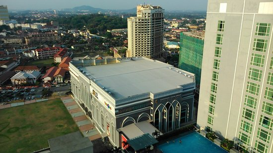 Hatten Hotel Melaka: view from roof top bar
