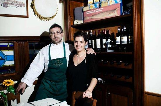Somma Vesuviana, Italien: Lo Chef Vincenzo Nocerino e la moglie Rosaria.