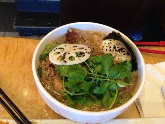Kojin Noodle Bar: Ramen...so good.