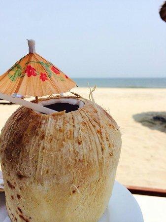 Palm Garden Beach Resort & Spa: Coconut drink