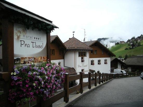 Hotel Pra Tlusel: Esterno
