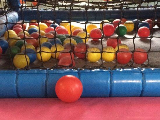 Gambado Watford: Filthy toddler play area